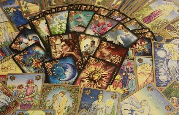 Как выбрать колоду карт Таро новичку в магии