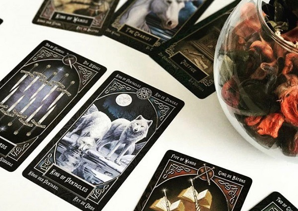 Магия воды (магия масти кубков в Таро)