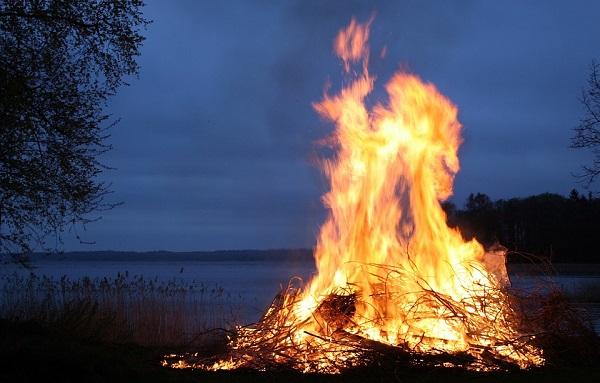 Медитация с огнем для укрепления собственной энергетики и защиты ауры